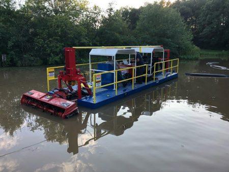 शिपमेंट से पहले परीक्षण तालाब में 115D।