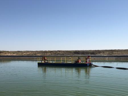 ينظف 40E DD حوض غسيل في ولاية تكساس.