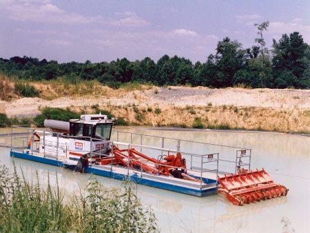 A Mud Cat dredging aggregate.